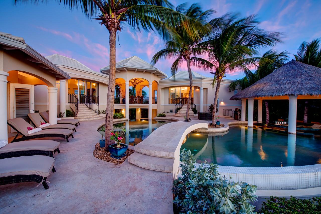WIMCO Villas, Avalon, TC AVA, Turks & Caicos, Grace Bay/Beachside, Family Friendly Villa, 4 Bedroom Villa, 4 Bathroom Villa, Pool, Exterior, WiFi