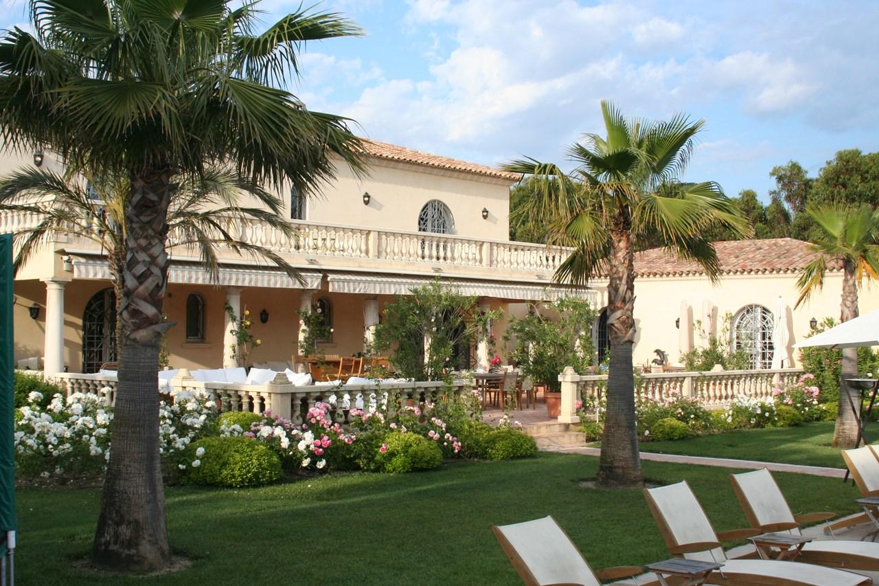 WIMCO Villas, Le Chemin, YNF CHE, France, St. Tropez & The Var, Family Friendly Villa, 6 Bedroom Villa, 6 Bathroom Villa, Pool, Exterior, WiFi