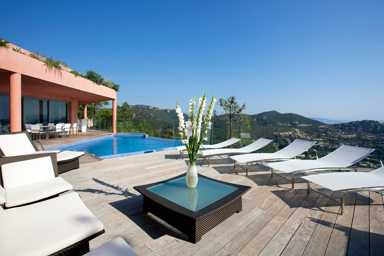 WIMCO Villas, La Corniche, YNF COR, France, Cote D Azur - Grasse & Cannes, 4 Bedroom Villa, 3 Bathroom Villa, Pool, Deck, WiFi