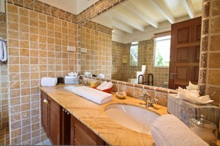 WIMCO Villas, Dorata, BRV DOR, Italy, Amalfi Coast, Family Friendly Villa, 5 Bedroom Villa, 6 Bathroom Villa, Pool, Bathroom, WiFi