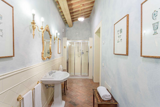 WIMCO Villas, Controni, CSL CON, Italy, Tuscany/Lucca, Family Friendly Villa, 11 Bedroom Villa, 11 Bathroom Villa, Pool, Bathroom, WiFi