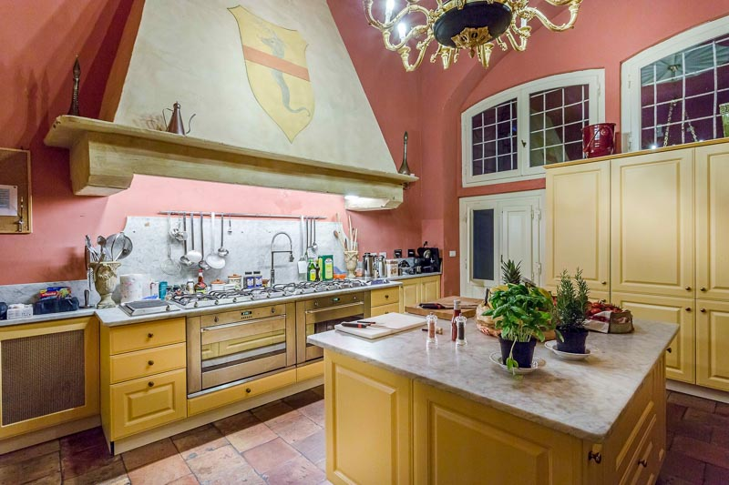 WIMCO Villas, Controni, CSL CON, Italy, Tuscany/Lucca, Family Friendly Villa, 11 Bedroom Villa, 11 Bathroom Villa, Pool, Kitchen, WiFi