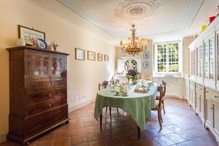 WIMCO Villas, Lenka, CSL LEN, Italy, Tuscany, Family Friendly Villa, 8 Bedroom Villa, 8 Bathroom Villa, Pool, Dining Room, WiFi