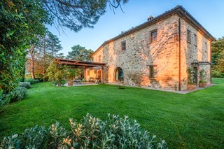 WIMCO Villas, Ada, HII ADA, Italy, Umbria, Family Friendly Villa, 7 Bedroom Villa, 7 Bathroom Villa, Pool, Exterior, WiFi