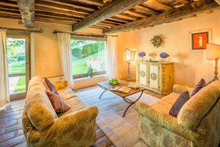WIMCO Villas, Ada, HII ADA, Italy, Umbria, Family Friendly Villa, 7 Bedroom Villa, 7 Bathroom Villa, Pool, Sitting Room, WiFi