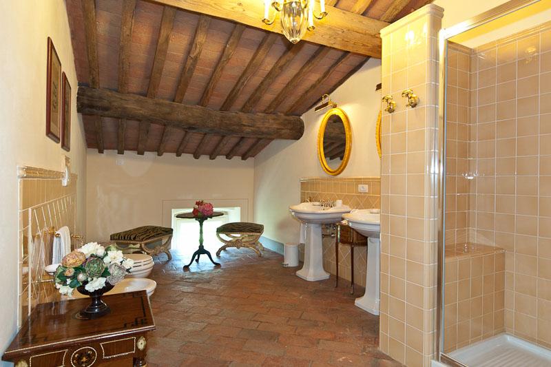 WIMCO Villas, Controni, CSL CON, Italy, Tuscany/Lucca, Family Friendly Villa, 11 Bedroom Villa, 11 Bathroom Villa, Pool, Bathroom, WiFi